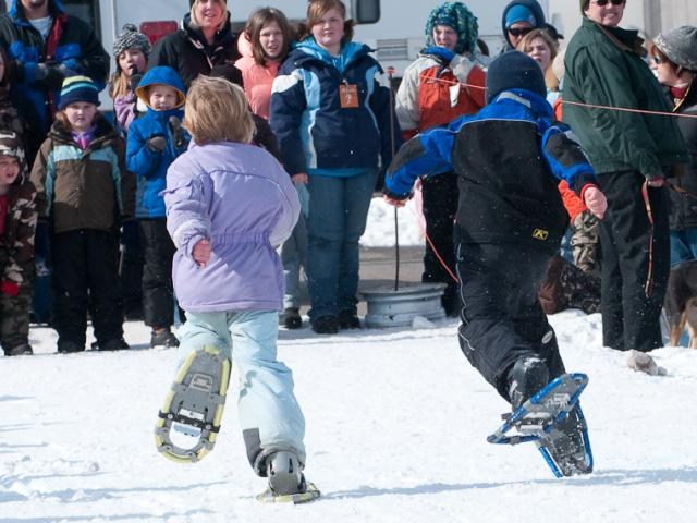 Photo finish kids snowshoe race